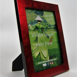 Metallic red wooden lacquer photo frame
